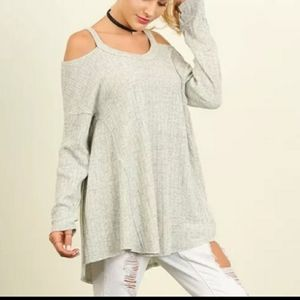 Umgee Plus Size Sweater Cold Shoulder Ribb…